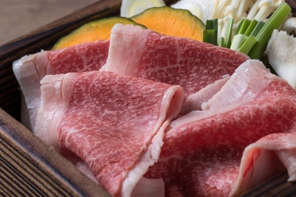 流川の和食居酒屋 遊心 広島産和牛コウネの美酒せいろ蒸し